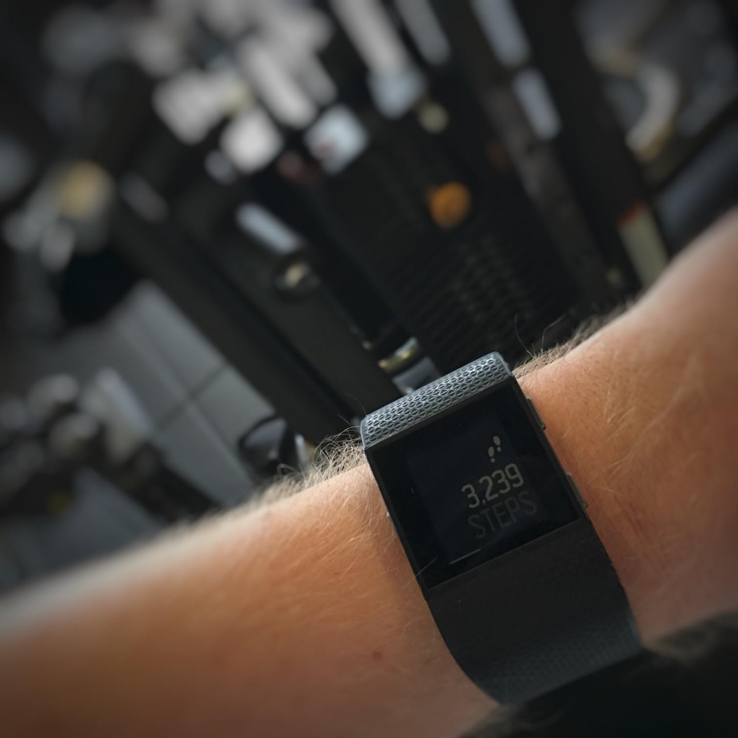 fitness-gadgets-love-my-fitbit-surge_t20_9GjdZB